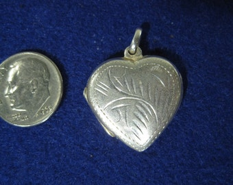Vintage Sterling Silver Engraved Heart Locket