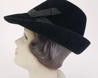 1930s Black Velour Ladies Trilby Hat