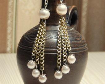 Cream pearl earrings, pink pearls, pearl tassel earrings, gold chain tassels, pearl tassels, pearl dangle earrings, long dangle earrings.
