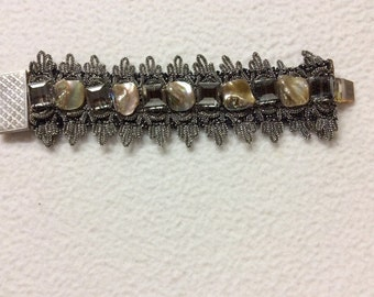 Bracelet silver trimmings with square beads