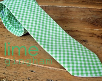 neck tie in lime green & white gingham{adult}
