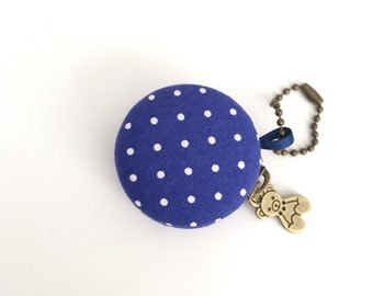 4 cm macaron coin purse, Jewelry pouch ; blue and white polka dots, blue macaron coin purse, travel jewelry case, cute polkadots