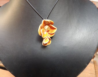 Pendant stoneware flower orange