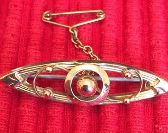 Vintage 9ct gold brooch