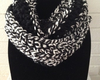Chunky Infinity Scarf Black White Wool Acrylic Circle Scarf Cowl
