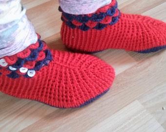 Handmade knitted socks istabenes