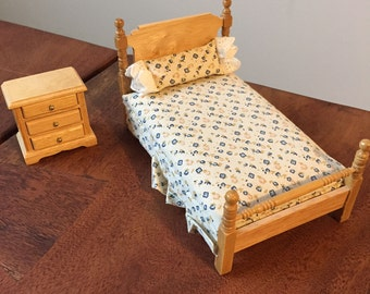 Dollhouse Furniture 1:12 scale, Oak Bedroom with Brass knobs - 2 pieces total with separate pillow, removeable drawers