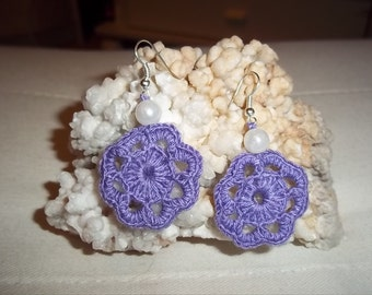 crochet earring with Pearl in lilac, earrings