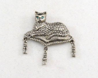 Vintage Cat Brooch, Vintage Avon Pin, Silver Cat Brooch, Kitty Brooch, Kitty Pin      J867