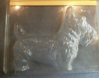 Large Scottie Dog Vintage Plastic Candy Mold