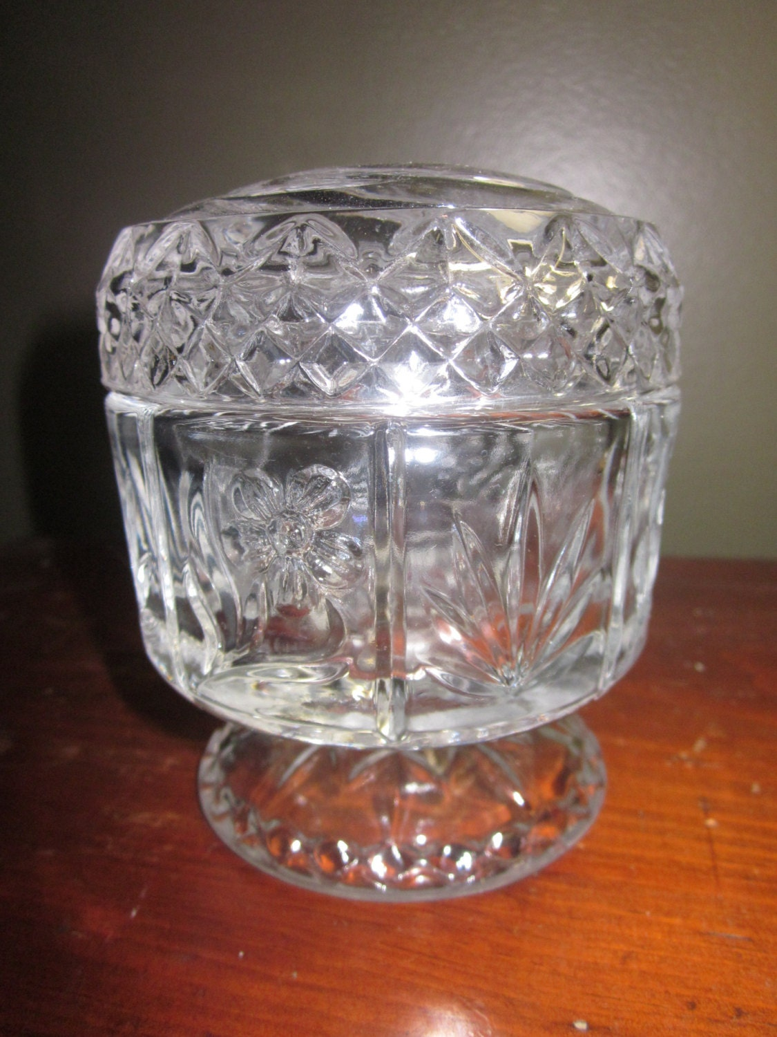 avon footed glass candy jar with lid made for avon by. Black Bedroom Furniture Sets. Home Design Ideas