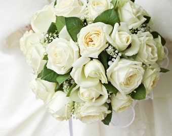 All white bride wedding bouquet! White rose bouquet, all white bouquet, wedding bouquet, bridal bouquet, elegant wedding bouquet, bouquet