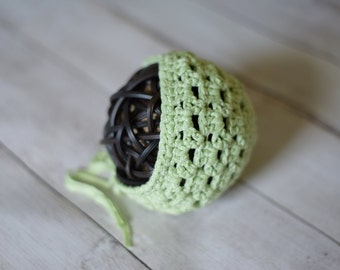 2-3 month light lime green baby bonnet