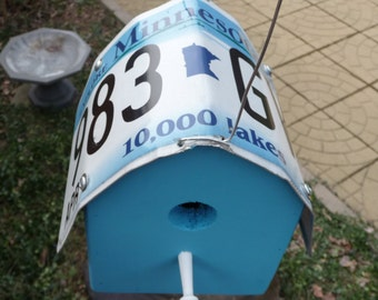 "Minnesota ""10,000 Lakes"" License Plate Birdhouse"