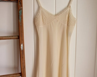 90's Saks Fifth Avenue Crepe Slip