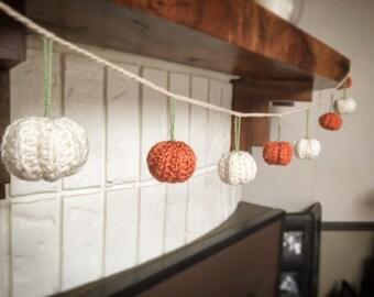 Crochet pumpkin Garland, bunting, mini pumpkins, fall, harvest, autumn, thanksgiving, Halloween, home decor, handmade, farmhouse