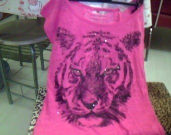 Pink with black tiger t-shirt sz m/l