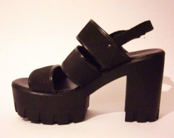 LAST CHANCE! Vintage Strappy Platforms With A Chunky Heel