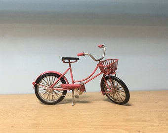 Vintage pink bicycle miniature with basket, retro pink bike dollhouse miniature,decorative collectible bike,metal toy,miniature bicycle
