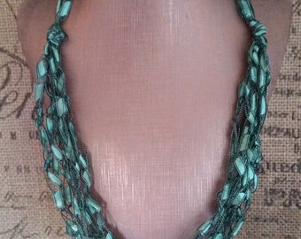 Handcrafted Ladder/Ribbon Yarn Necklace in Emerald Green