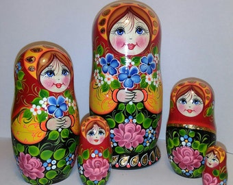 Wooden Russian Nesting Dolls-Matryoshka set of 5 (15cm-5,9in)