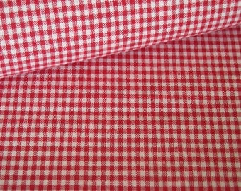Gingham red white fabric checkered 2.5 mm