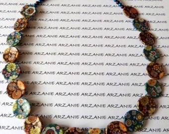 Collier ras de cou, collier perles petits boutons, deux tons bleu/marron, imprimé fleuri