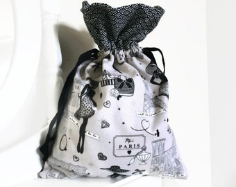 Bag Patil for the little black dress Paris lingerie and black and white Japanese waves