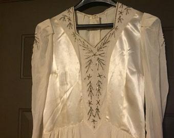 Vintage 1945 Wedding Dress
