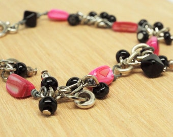 Hawaii Kawaii - silver chain link bracelet with bright pink shell beads