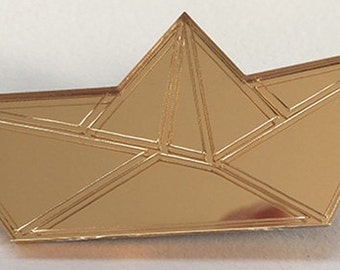 Brooch gold plexi