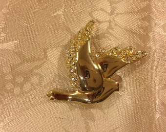 Monet Dove Brooch - gold tone studded in Rhinestone - a beautiful piece.