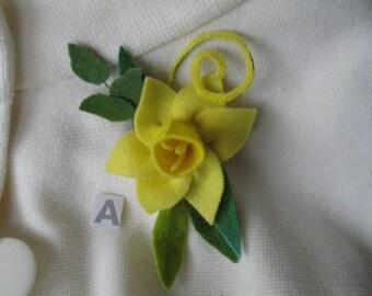 March Birthday Daffodil Wool Pin