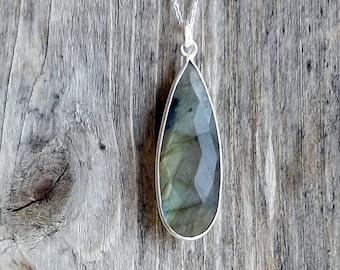 Labradorite pendant / Sterling silver labradorite / Labradorite layering necklace