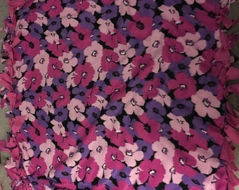 No Sew Pink Flower Dog Blanket (Small)