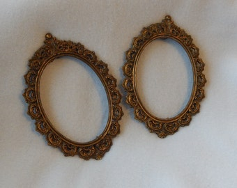 Victorian style oval picture frames (set of 2)