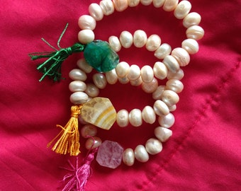 Pearl and agate bracelet