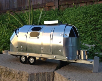 Airstream Trailer Hand Crafted Aluminum Collectable Art 1:20 Scale