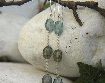 Earrings in aquamarine