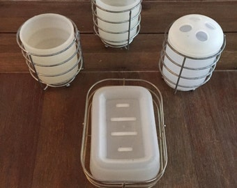 Vintage Bathroom Accessory Set, Soap Dish, Toothbrush Holder, Drink Glasses, Plastic and Wire, Retro Vintage Old, Bathroom Accessories
