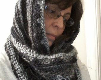 Infinity scarf / cowl