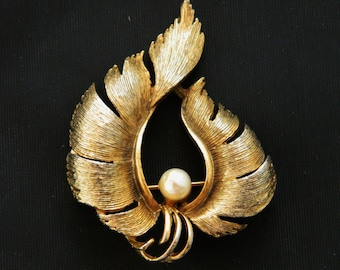 """Vintage Feather Curling Leaf Flame Statement Brooch Faux Pearl Gold Tone 2"""", Coat Pin, Sweater Pin, Gold Tone, Fall Brooch, Free Shipping"""