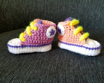 Crochet baby converse booties.