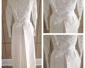 Vintage 60's white lace sheer sleeved wedding dress gown / small/medium