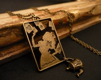Alice in Wonderland necklace - Cards and tea-pot