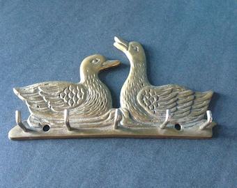 Keychain duck - vintage brass