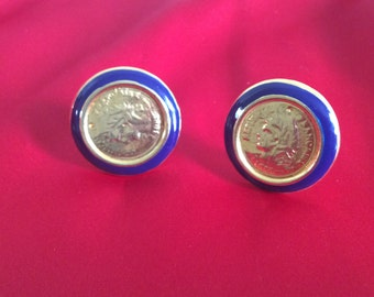 Clip earrings with coin centre
