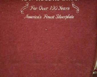"""1847 Rogers Bros Silverware  """"Remembrance"""" Service for 8 with Velvet lined Box vintage antique silverplated  Silversmith"""