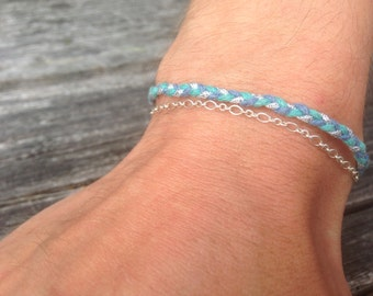 Bracelet silver chain and cotton yarn