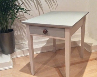 Original 1970s twin drawer shaker table from the US
